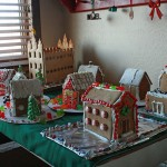 Christmas Traditions: Gingerbread Houses – Guest Post from Chocolate on my Cranium